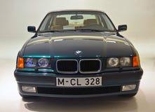 Munich Tyskland - mars 16, 2014: Klassisk BMW 3 seriebil på BMW museet Arkivbilder