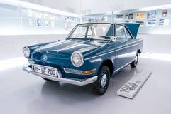 Munich Tyskland - mars 10, 2016: samling av klassiska bilar på skärm i BMW museet Royaltyfri Foto