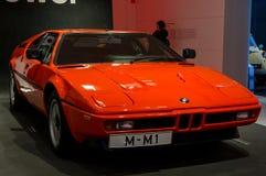 Munich Tyskland - mars 10, 2016: samling av klassiska bilar på skärm i BMW museet Royaltyfri Fotografi