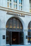 Munich Tyskland - Oktober 20, 2017: Boutique av innegrejen Royaltyfri Foto