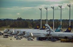 Munich Tyskland - Oktober 16: En sida av Lufthansa parkeringsapro Arkivbild