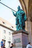 Munich Tyskland - Oktober 20, 2017: RäkningsTilly staty 1844 förbi Royaltyfri Foto