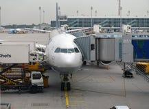 MUNICH TYSKLAND, SEPTEMBRE 2014: Parke för Lufthansa flygbussflygplan Arkivfoto