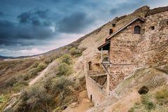 A municipalidade de Sagarejo, região de Kakheti, Geórgia Antigo Rocha-desbastado imagem de stock