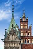 Municipio di Wroclaw al quadrato del mercato contro il cielo luminoso di estate Immagini Stock