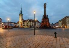 Municipio e colonna in Olomouc, repubblica Ceca della trinità santa fotografia stock libera da diritti