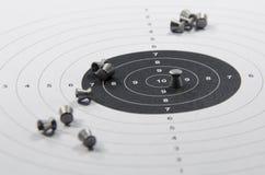 munitions et but pour l'arme pneumatique images libres de droits