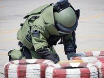Munitionsräumdienst-Experte in der Bombenklage lizenzfreies stockbild