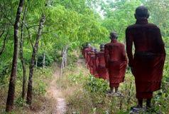 Munk Statues Arkivfoton