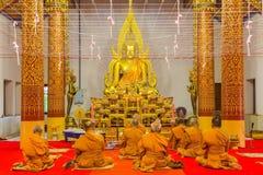 Munkar i meditation Arkivfoton