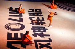 Munkar som utför kines Kung Fu Royaltyfria Foton
