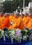 Munkar väntar det lovande för att gå till allmänheten Royaltyfri Fotografi