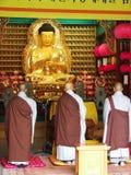 Munkarna ber Royaltyfri Bild