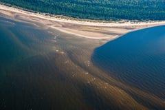Munnen av floden, bästa sikt flyg- alps coast det nya fotoet söder sydliga västra zealand för ön Fotografering för Bildbyråer