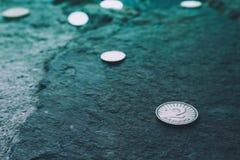 Munt twee van Macedonië denar op de steenachtergrond Fotodepi Royalty-vrije Stock Afbeeldingen