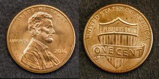 Muntstuk één cent Amerikaanse dollar van Verenigde Staten met het cijfer van Lincoln royalty-vrije stock afbeeldingen