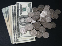 Muntstukken en rekeningen Stock Foto
