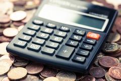 Muntstukken, geld, Euro calculator, Royalty-vrije Stock Afbeeldingen