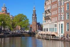 Munttoren (硬币塔)的看法在阿姆斯特丹 库存照片