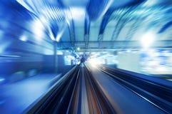 Muoversi del treno ad alta velocità Immagini Stock
