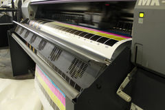Muoversi digitale della testa di stampa di ampio formato Fotografia Stock