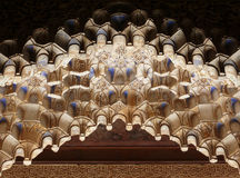 Muqarnas. Detalles islámicos tallados de la configuración Imagenes de archivo
