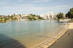 Muquiçaba, PraÃnha o S Playa de Pedro, Guarapari, estado de EspÃrito Santo, el Brasil imagenes de archivo