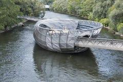 Mur河的Murinsel人工岛在格拉茨,奥地利 免版税图库摄影