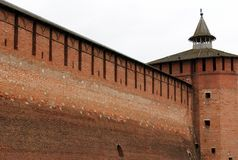 Mur antique de fortification dans Kolomna, Russie Photos stock