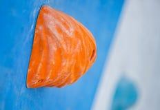 Mur artificiel de roche pour s'élever en parc d'action photographie stock libre de droits
