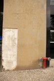 Mur avec des disparus de section Images stock