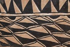 Mur avec la peinture tribale africaine Images libres de droits