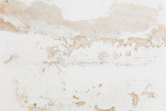 Mur avec le plâtre de émiettage Photos stock