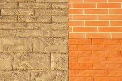Mur avec les tuiles de parement en céramique d'échantillon Photo libre de droits