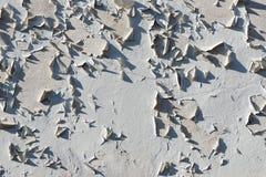 Mur avec sa peinture d'épluchage Images stock