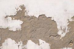 Mur blanc âgé par épluchage photographie stock libre de droits