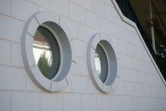 Mur blanc avec une fenêtre Image libre de droits