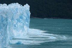 Mur bleu de glace de vue de glacier de Perito Moreno beau de Calafate, Argentine Photo stock