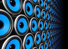 Mur bleu de haut-parleurs Photographie stock libre de droits