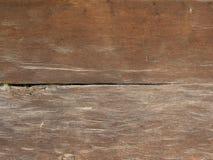 Mur brun naturel en bois de grange Images libres de droits