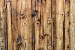 Mur brun naturel en bois de grange Fond de texture de mur avec le copyspace photo libre de droits