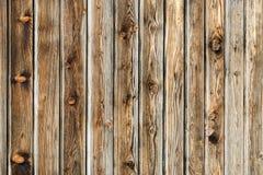 Mur brun naturel en bois de grange Modèle texturisé en bois de fond photographie stock libre de droits