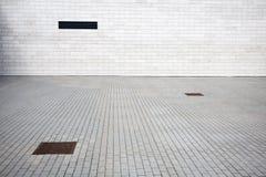 Mur carrelé et pavage photographie stock libre de droits