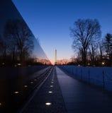 Mur commémoratif de vétérans du Vietnam au lever de soleil, Washington, C.C Photographie stock libre de droits