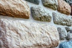 Mur décoratif, qui est construit des cailloux et du ciment de rivière Vue extérieure du bâtiment Photos stock
