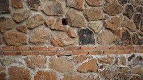 mur de briques avec les modèles géométriques Image libre de droits