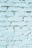 Mur de briques blanchi, fond de tonalité de couleur de turquoise, de texture et de conception avec l'espace de copie Photos stock