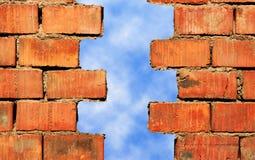 Mur de briques cassé Image libre de droits