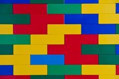 Mur de briques coloré de jouet Image libre de droits