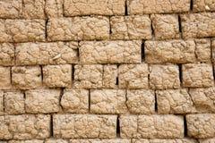 Mur de briques d'Adobe Images stock